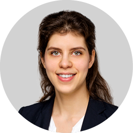 Nadia Pirghatari, Projektassistentin